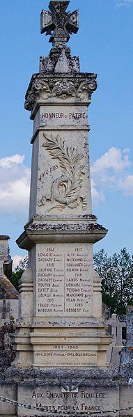Roullée; Villeneuve-en-Perseigne; Sarthe; France; monument aux morts;