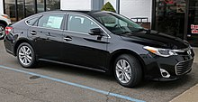 2014 Toyota Avalon XLE, front.jpg