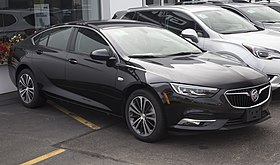 2018 Buick Regal Sportback Preferred II FWD, Ebony Twilight Metallic, front right.jpg