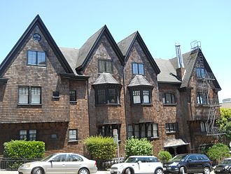 Edgar Mathews - Shingled apartments at 2100–06 Lyon Street, San Francisco, designed by Edgar Mathews in 1905