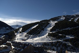 Soldeu - The town and ski resort base in March 2007