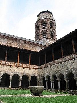 Abbaye de Lavaudieu - Cloître - JPG1