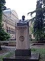 Akaki Tsereteli statue, Tbilisi.jpg