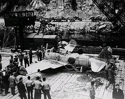 輸送されるアクタン・ゼロ。1942年7月。