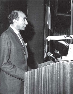 Asadollah Alam - Alam speaking in his campaign during legislative election of 1961