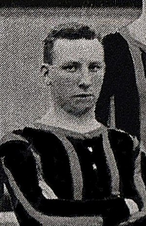 Alex McCulloch (footballer) - McCulloch while with Brentford in 1908.