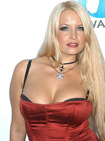 Angel Cassidey at Island Fever 4 party 1.jpg