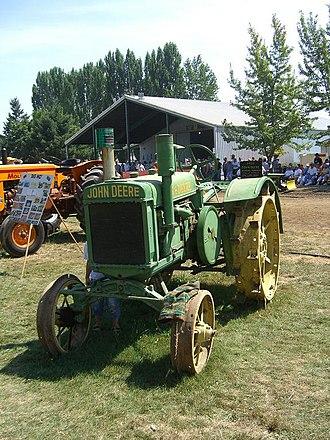 Powerland Heritage Park - Antique John Deere tractor