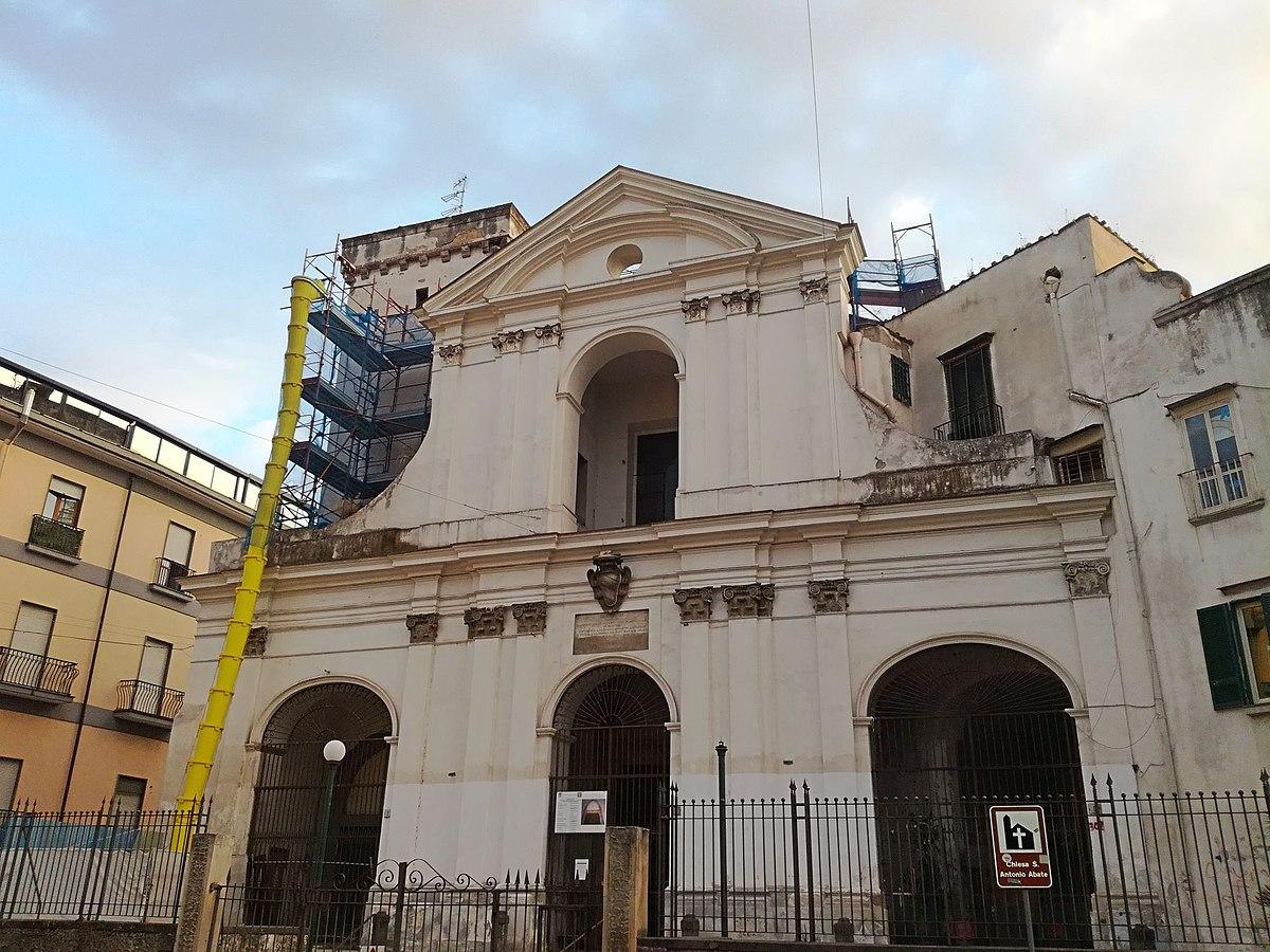 Chiesa di sant 39 antonio abate napoli wikipedia for Arredo bimbo sant antonio abate