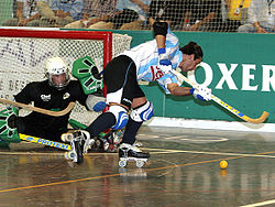 Argentin player during 2007 rink hockey world championship.jpg