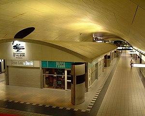 Auber Station - Image: Auber RER Paris 2005 Hall 1