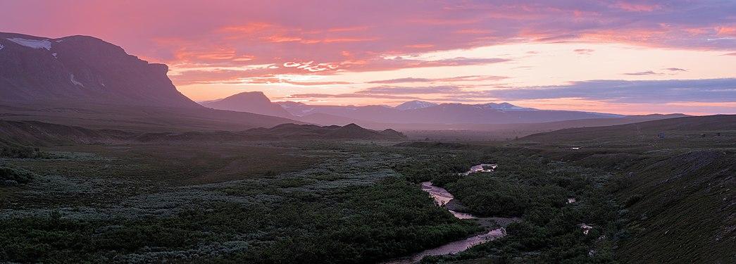Ausulsjokk stream during golden hour (DSCF3045-DSCF3072).jpg