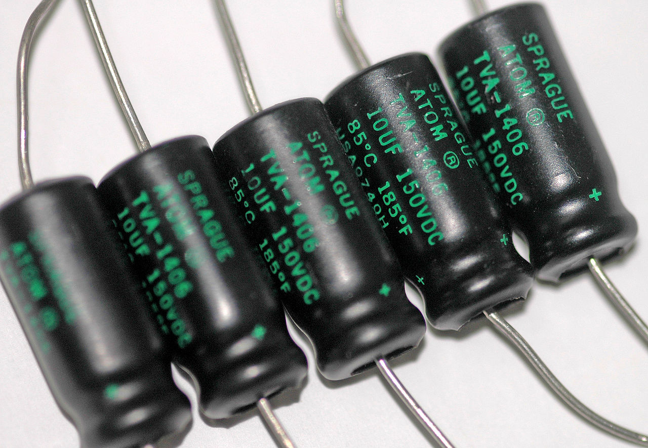 50 Piece 10µf 85 ° Nippon Elko 35v Capacitor Radial 10uf 20