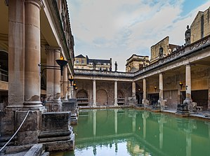 Roman Baths (Bath) - The Great Bath — the entire structure above the level of the pillar bases is a later construction.