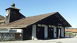 Bad Wiessee Schule mit Feuerwehr 1.jpg