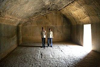 Lomas Rishi Cave - Image: Barabar Caves inside Lomas Rishi