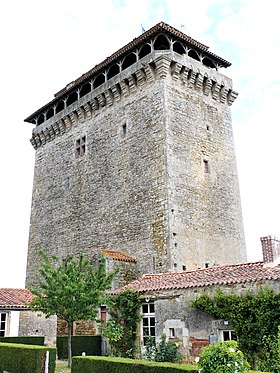 Bazoges-en-Pareds - Donjon -1.jpg