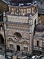 Bergamo Campanone Blick auf die Cappella Colleoni 3.jpg