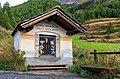 Bergtocht van Gimillan (1805m.) naar Colle Tsa Sètse in Cogne Valley (Italië). Kapelletje uit 1926 boven Gimillan (1805m.).jpg