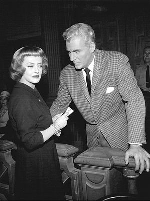 Paul Drake (character) - William Hopper as Paul Drake in the CBS-TV series Perry Mason, with guest star Bette Davis (1963)