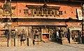 Bhaktapur-Bhairava Mandir am Taumadhi Tole-10-gje.jpg
