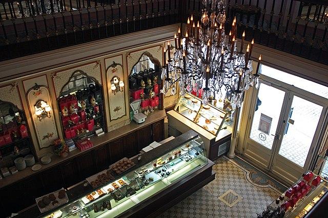 Miremont, Biarritz, Pyrénées-Atlantiques, France. 10 старейших ресторанов во Франции