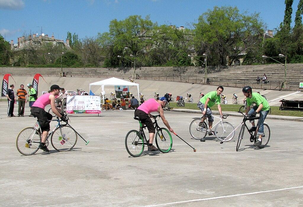 Bike polo  - cyklo polo na bicykloch