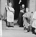 Bisschop van Den Bosch W. P. A. M. Mutsaerts neemt afscheid, v.l.n.r. Mgr. W. M., Bestanddeelnr 911-4055.jpg