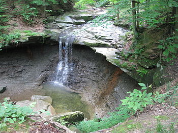 English: Blue Hen Falls in the Cuyahoga Valley...