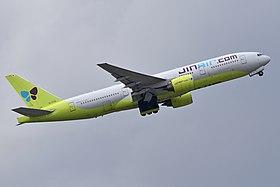 Boeing 777-2B5ER 'HL7733' Jin Air (48587894702).jpg