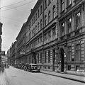 Bródy Sándor (Sándor) utca a Magyar Rádió épülete előtt, a Szentkirályi utca felé nézve. Fortepan 30167.jpg