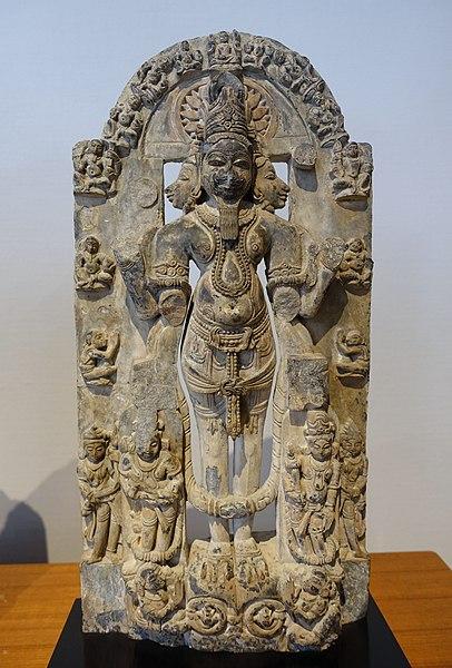 File:Brahma, West India, c. 12th century AD, schist - Matsuoka Museum of Art - Tokyo, Japan - DSC07159.JPG