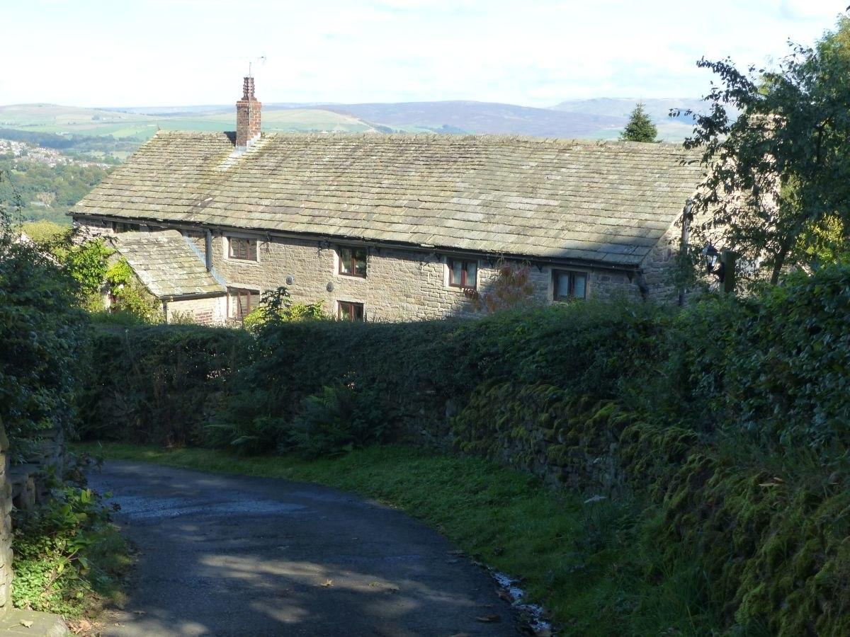 Brines Farmhouse, Disley.JPG