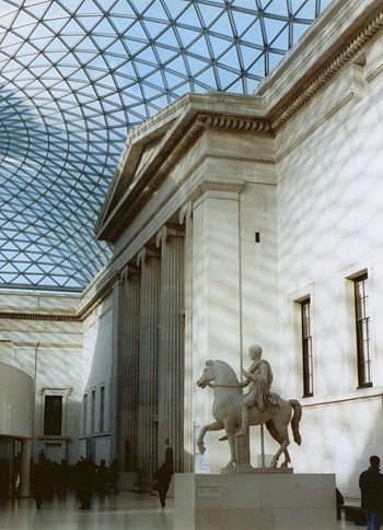 British Museum New Great Court.jpg