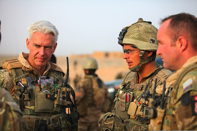 file british army lt  col  alistair aitken  commanding officer  combined forces lashkar gah  and