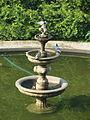 Brunów, fontanna, widok z pałacu.JPG
