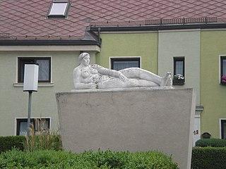 Brunnen mit Figur, Freihofsiedlung