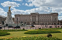 Buckingham Palace, London - April 2009.jpg