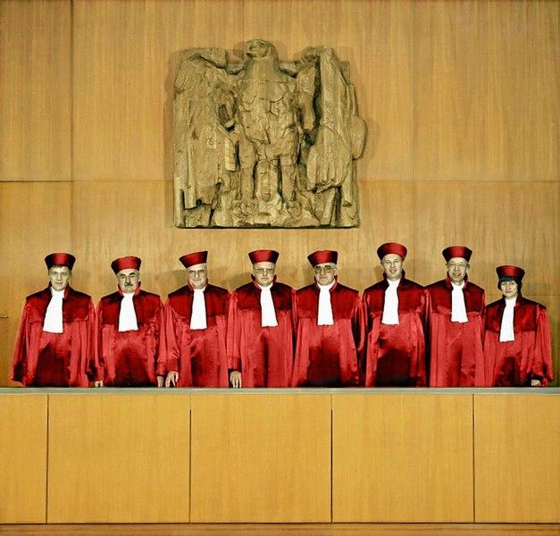 Datei:Bundesarchiv B 145 Bild-F083310-0005, Karlsruhe, Bundesverfassungsgericht (retuschiert).jpg
