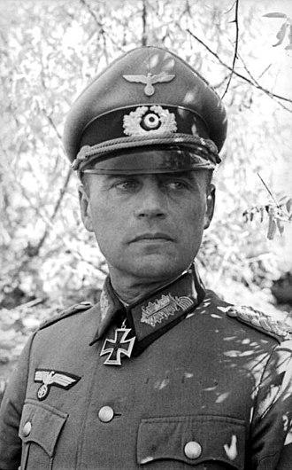 Ferdinand Heim - Image: Bundesarchiv Bild 101I 218 0518 12, Russland Süd, Generalmajor mit Ritterkreuz