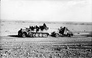 Bundesarchiv Bild 101I-783-0109-19, Nordafrika, Zugkraftwagen mit Flak