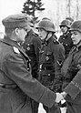 """Bundesarchiv Bild 101III-Reinsberg-013-17A, Russland, Orden für Männer der Legion """"Niederlande"""".jpg"""