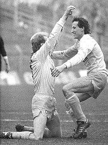 Bundesarchiv Bild 183-1990-1201-009, 1. FC Lok Leipzig - FC Hansa Rostock 3-2.jpg