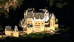Burg-Eltz-011-b