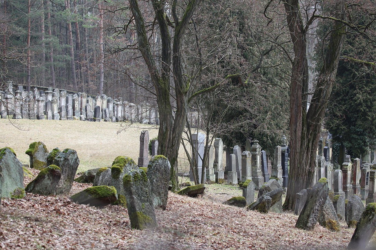 Burgkunstadt-Jüdischer-Friedhof3.jpg