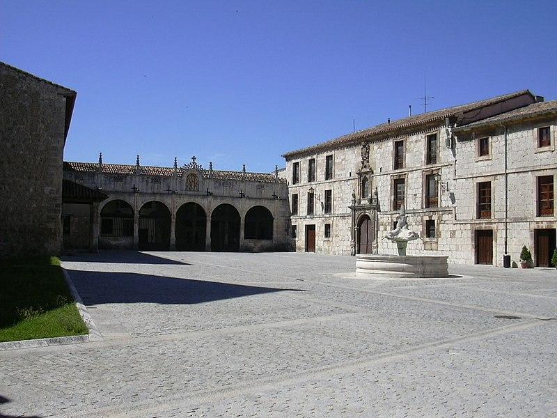 Burgos - Las Huelgas - Patio02.jpg