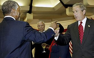 Thabo Mbeki - Mbeki with U.S. President George W. Bush, July 2003