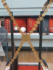 Jewellery Chain Wikipedia