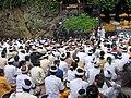 Cérémonie au temple de Goa Lawah.jpg