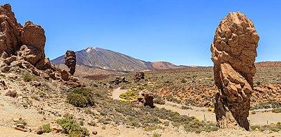 Roques de García, Roque Cinchado, Mount Teide, and Torrotito (from left to right), Tenerife